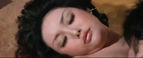 香港艳星余莎莉囹�a_作为70年代后期香港最当红的艳星,余莎莉的经历充满传奇色彩.
