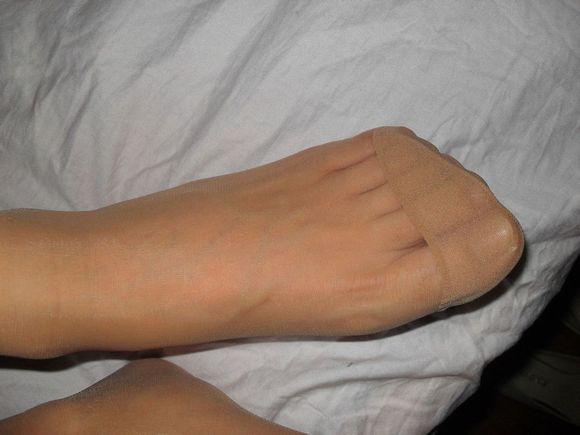 肉色水晶丝的踩脚袜