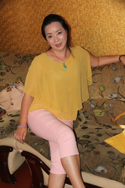 三十至四十熟女丝袜做爱_魅力四十熟女自拍           沙发迷人丝袜少妇