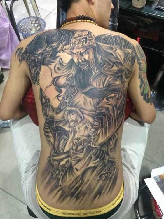 满背关公耍大刀纹身图案图片