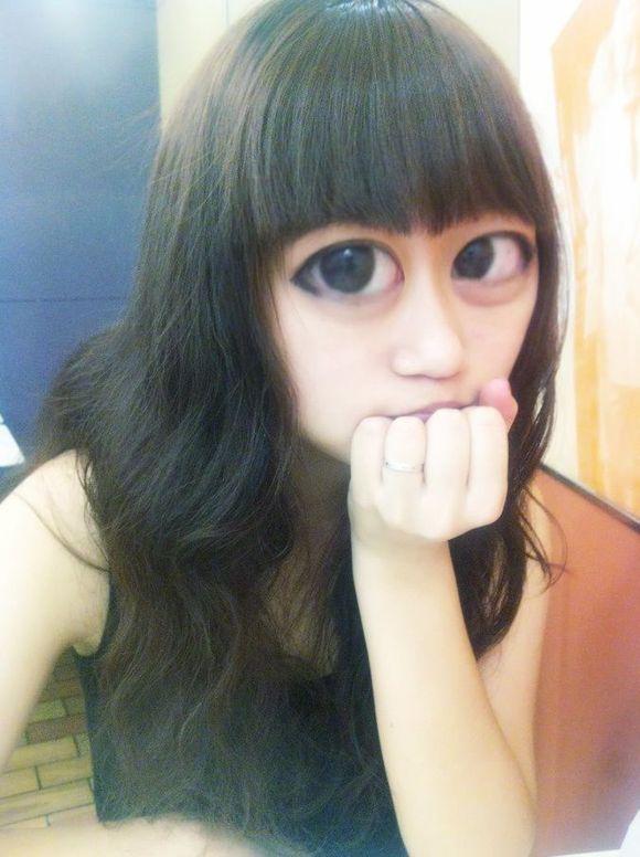 齐刘海大眼睛女生图片展示图片