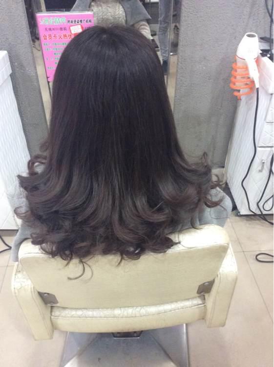西安长安区哪个理发店烫头发烫的好,价钱也不贵?具体位置.图片
