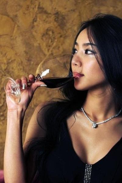 红酒 优雅 女人(2)