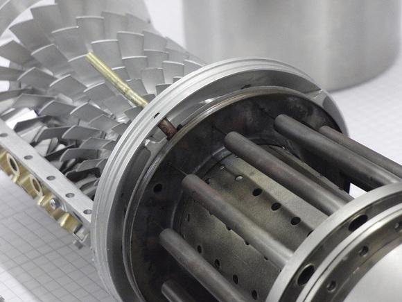 niffi的轴流式微型涡喷发动机图片