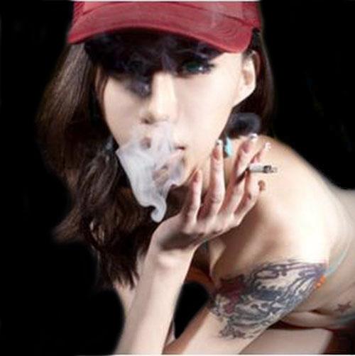欧美抽烟纹身霸气图片