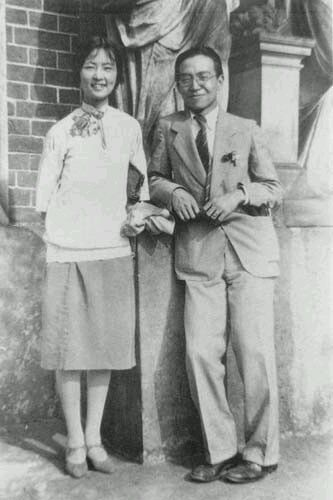 1947年的春天,梁思成,林徽因夫妇回到了清华园.图片