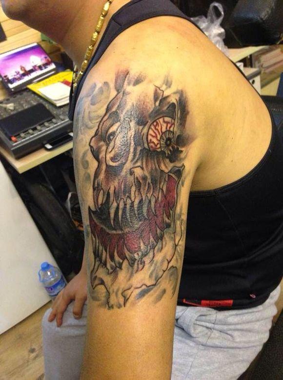 牡丹黑白纹身包臂手稿_纹身图案图片