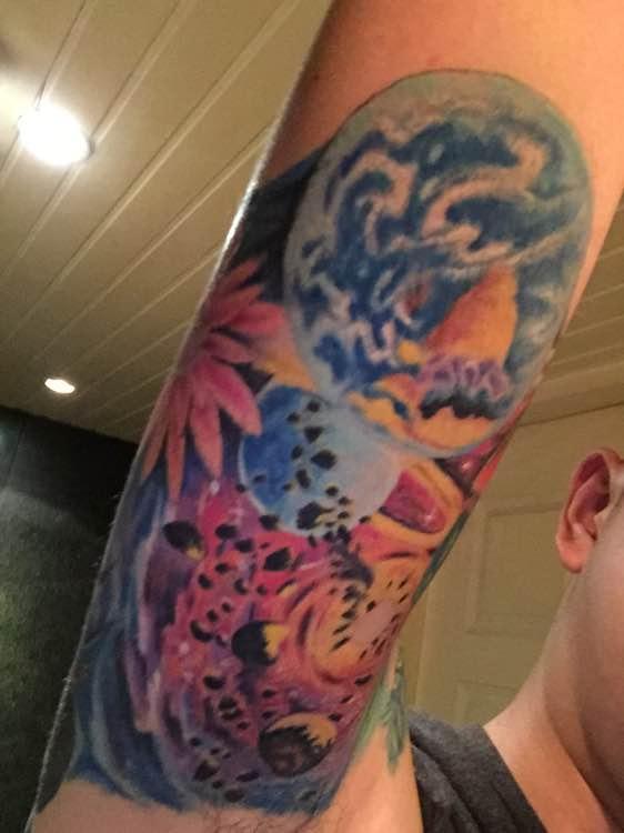 纹身在胳膊内侧纹疼么