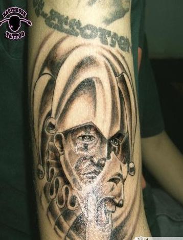 小丑哭泣面具纹身分享展示图片