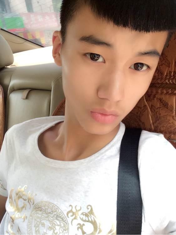【男生发型】男生最潮发型图片