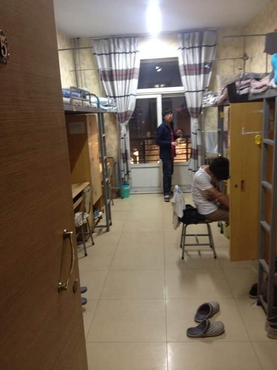 今年想报郑大,想看看郑大的宿舍照片~跪求~_郑州大学图片