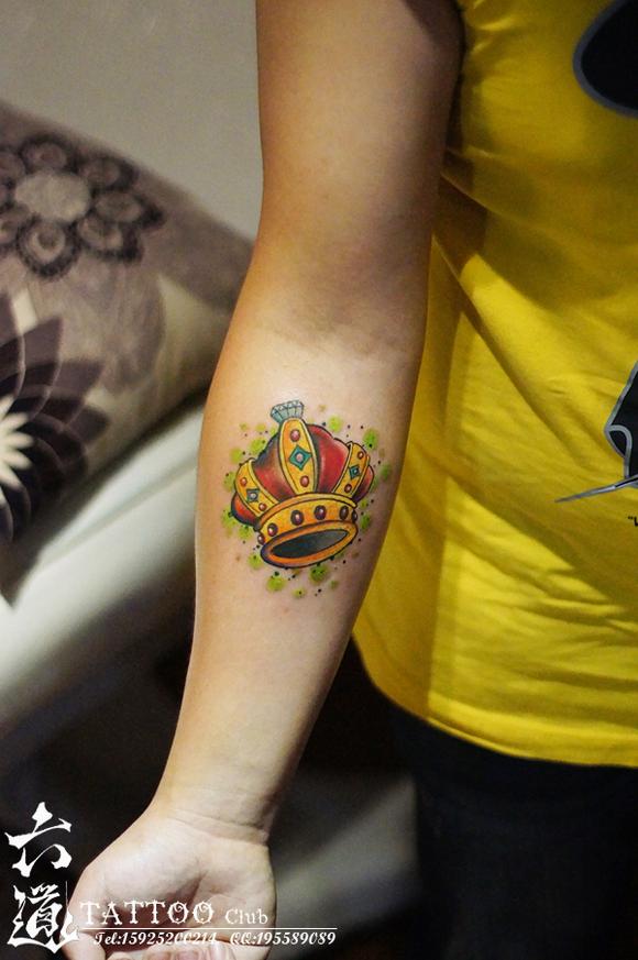 手腕镂空皇冠小象纹身图案图片