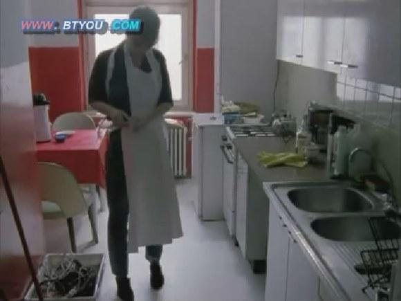 回复:【图解】禁片《困惑的浪漫2》美女小护士畸恋尸体