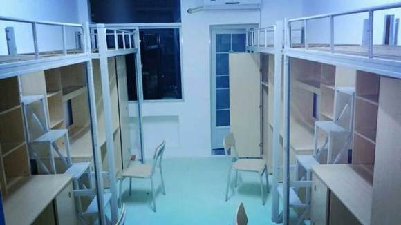 这特么就是大学生宿舍图片