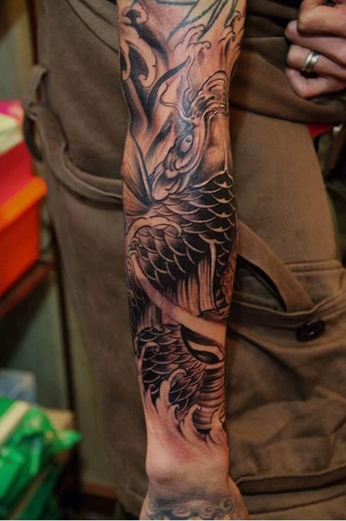 鱼化龙花臂纹身手稿分享展示图片