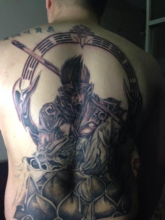 快手猴哥腿上纹身分享展示图片