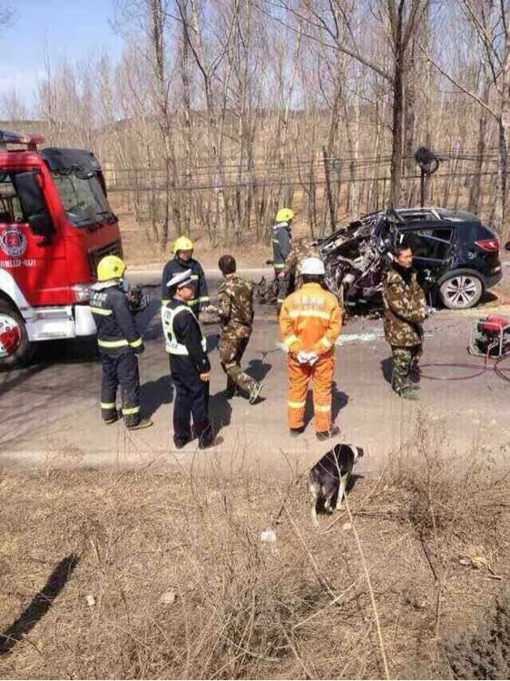 岚县中午发生的交通事故 死三伤二图片