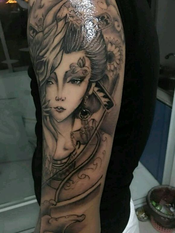 黑白明月艺妓纹身手稿分享展示图片