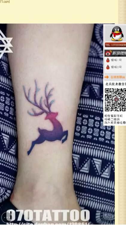 女生腿部小巧潮流的小鹿纹身图案图片