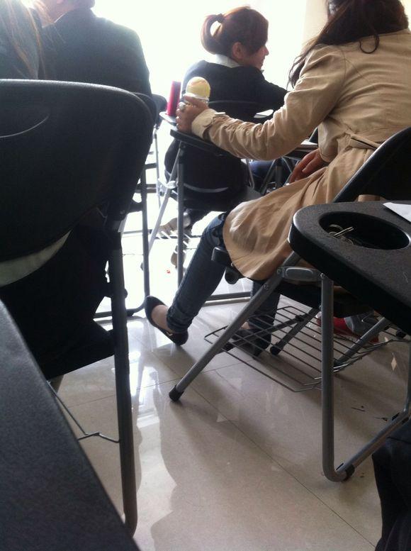 蛋 电视剧中的丝袜脚图片