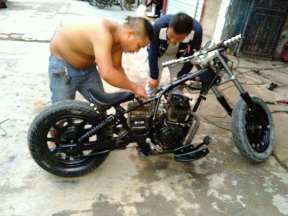风暴太子改装_复古摩托车吧图片