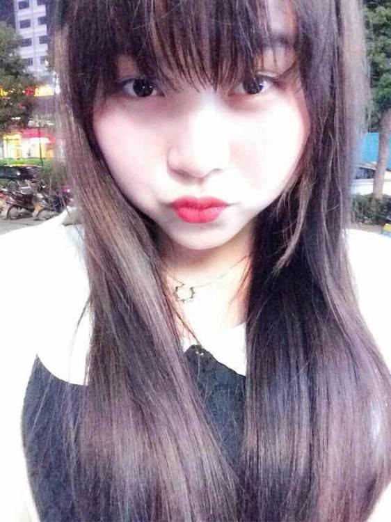 桐谷尤莉亚合吻戏