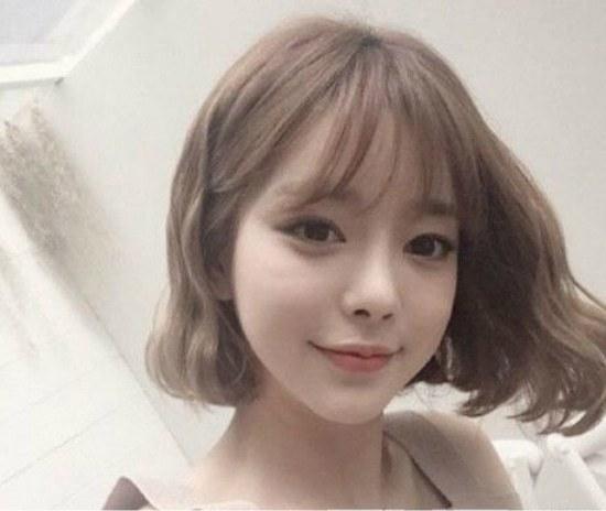 2017流行发型女中短发图片