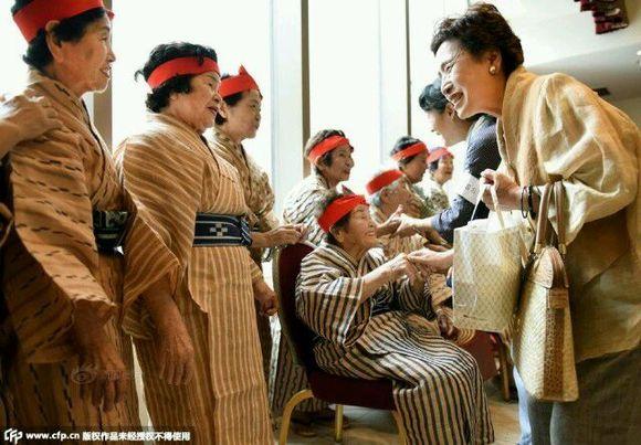 日本老奶奶做爱_日本老奶奶偶像团体走红