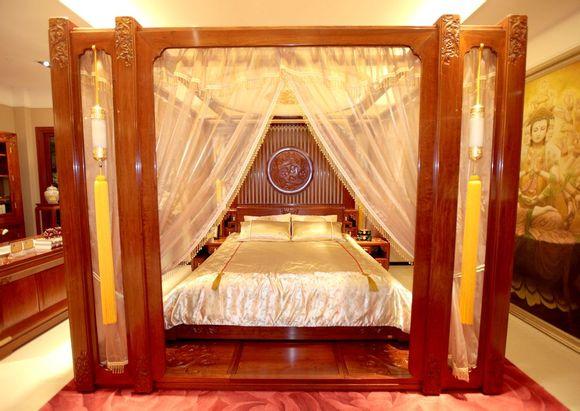 瀚晟堂新中式卧房家具 演绎古典时尚的缅花情调图片
