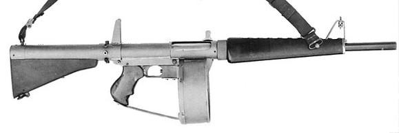 21:48阿尔密蒂末世浮生1我的装备:战术灯战术刀usp