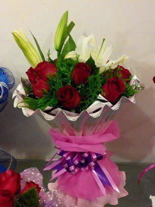 72我还是上次七夕节的那个卖玫瑰花的有想买的速度预定的(误图片