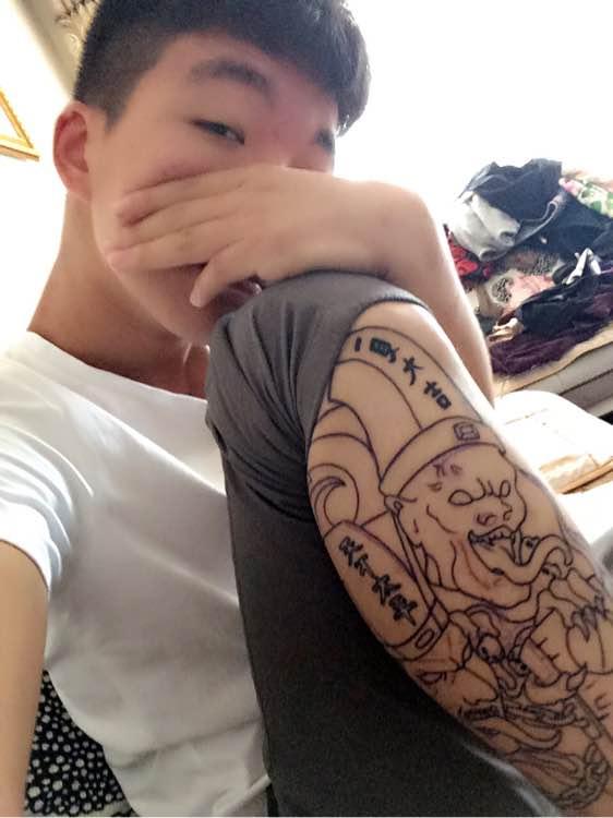 回复:说说你们身上纹身的故事吧图片