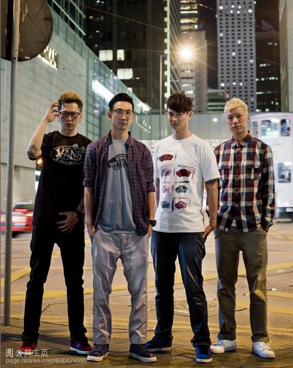 本来冲着谢霆锋和冯德伦看的,结果比较有感触的是香港演员李灿森,一直图片
