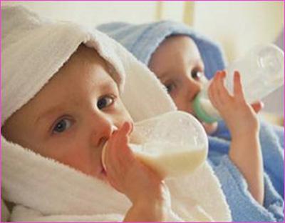 宝宝奶粉过敏的三种反应图片