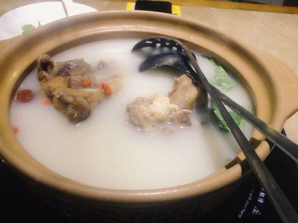 玩具大骨汤,凉拌豆皮和娃娃鱼.扎发淮山图片