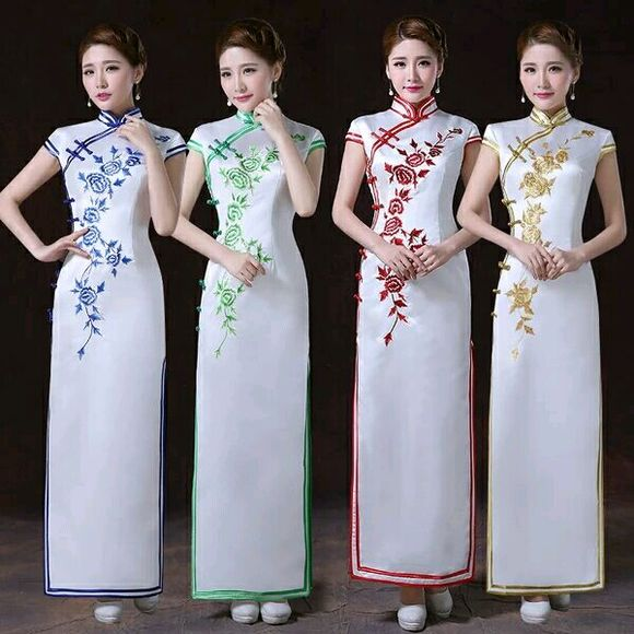 旗袍高开叉中老年妇女