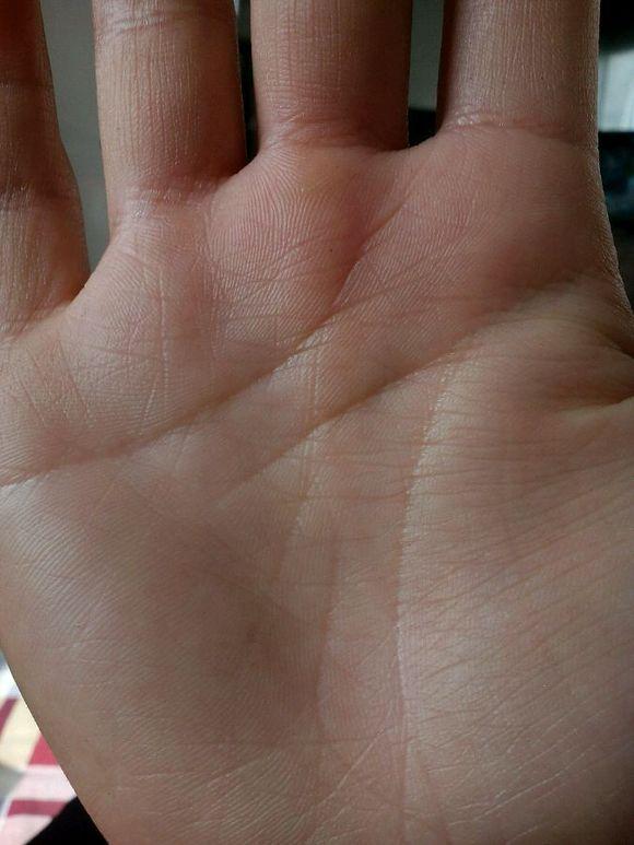 手相哪里看关节 手指关节上翘手相 数字