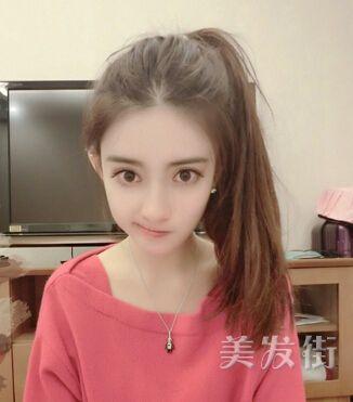 清纯女大学生中分短发发型 2