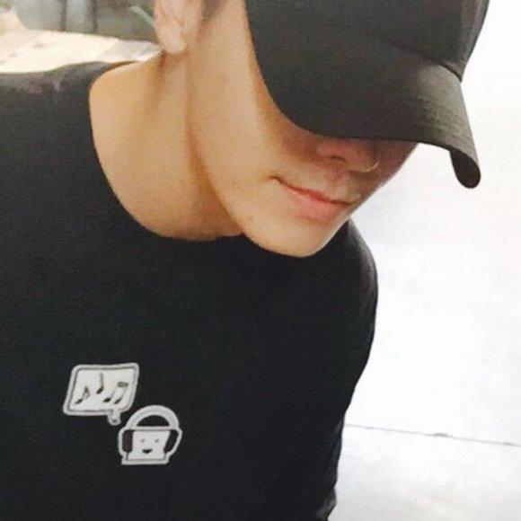 李东海更新ins头像图片