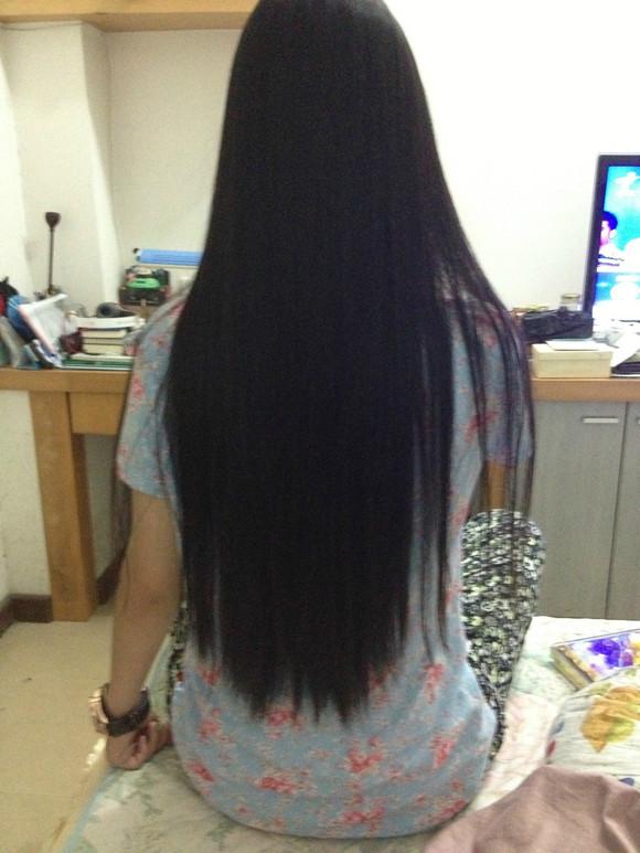 我是长头发,好想剪了,又有点舍不得,要不要剪呢,我头发很长,给点意见图片