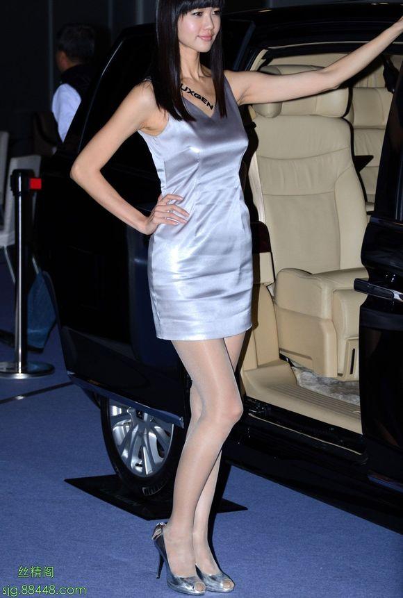 转贴:车展美女11 - 车展美女 - 散图 - 丝精阁 丝袜美女