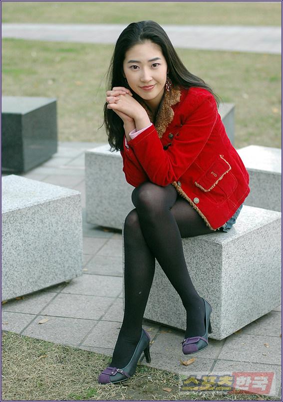 韩国丝袜写真叫什么网站_老女人黑丝袜美腿图片_日本老女人黑丝袜_老女人黑色丝袜美腿