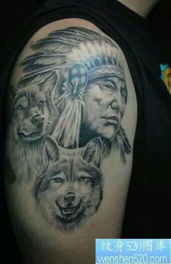 男士胸前残忍的血狼头纹身图片图片