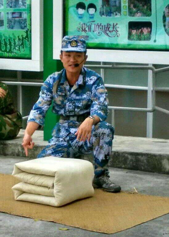 谁知道哪里有做公安教官服的_有没有谁知道这个教官名字