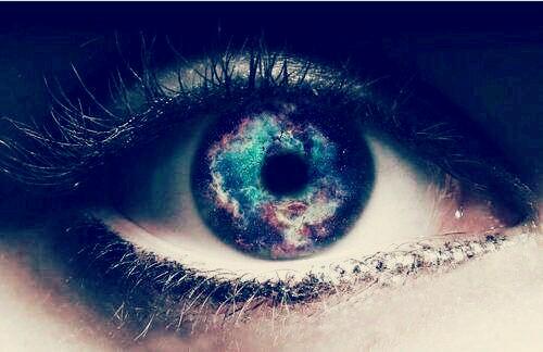 回复:亲,求唯美的眼睛图片,或者女生流泪眼睛特写的美