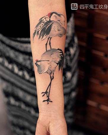 仙鹤纹身图案寓意着长寿和吉祥图片