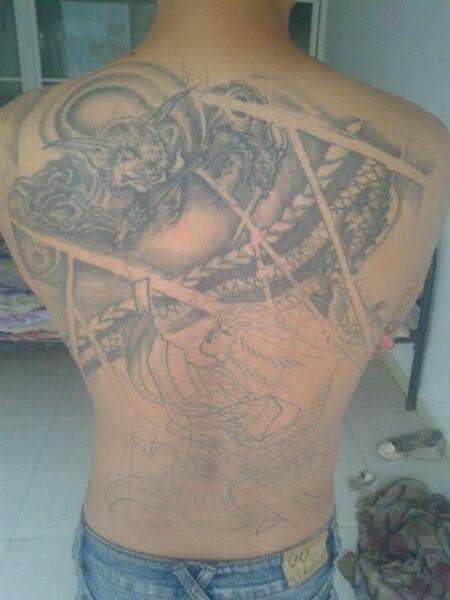 半背鲤鱼纹身手稿线条分享展示图片