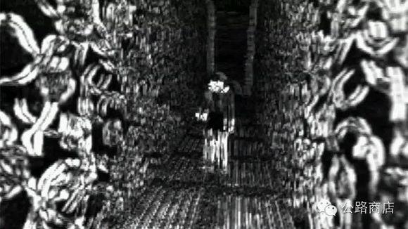 暗网流传下来的图片