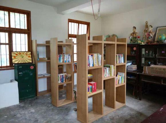 第一所爱心书屋落户