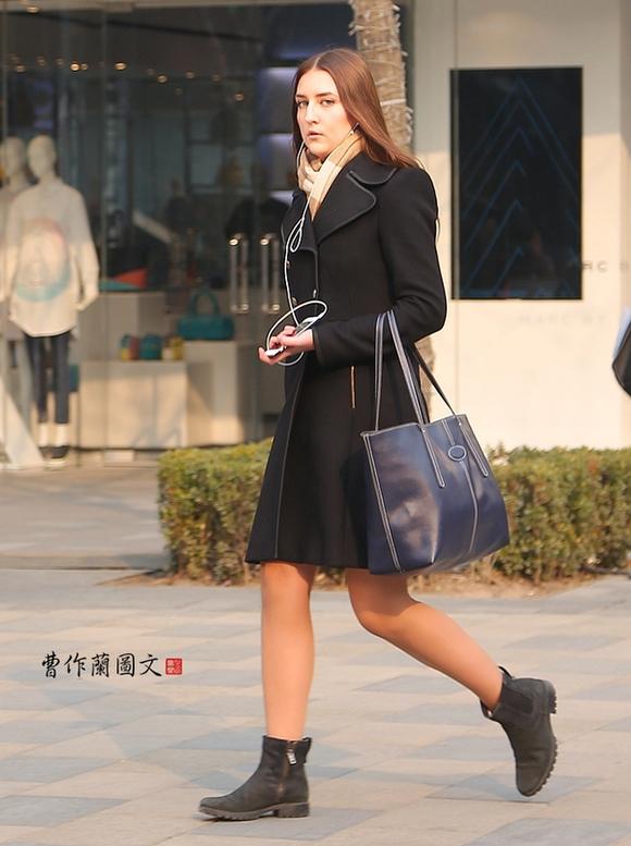 街拍:北京三里屯的外国美女